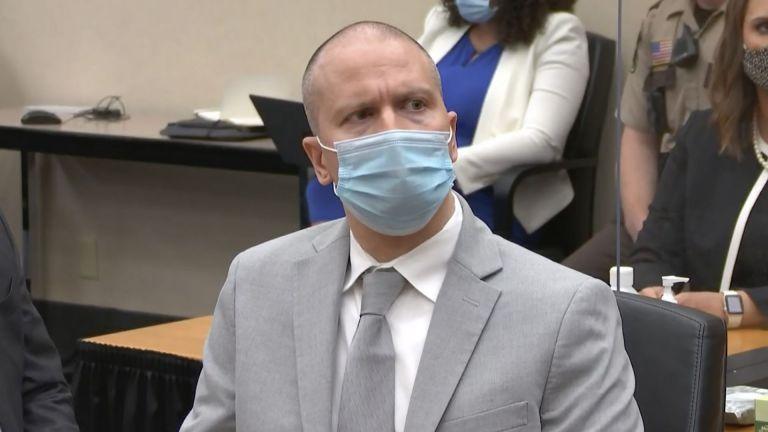 Полицаят Дерек Шовин бе осъден на 22,5 г. затвор за убийството на Джордж Флойд
