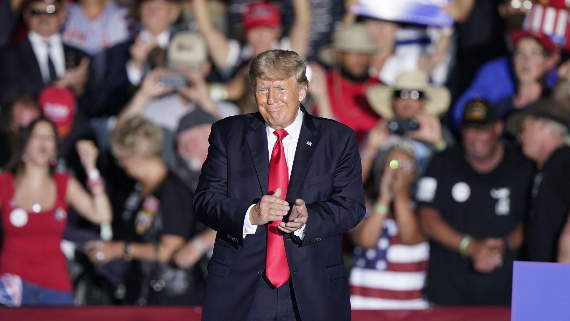 Доналд Тръмп с първи голям митинг след края на президентския си мандат (снимки)