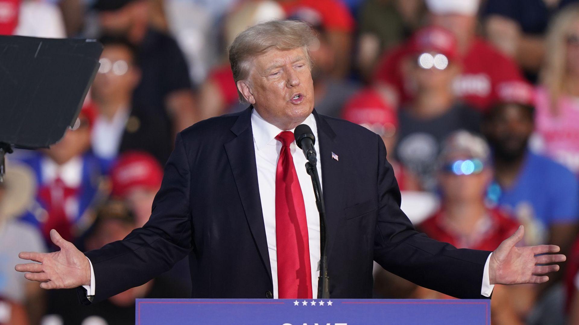 """Доналд Тръмп подаде жалба срещу племенницата си и """"Ню Йорк Таймс"""", обвини ги в заговор"""
