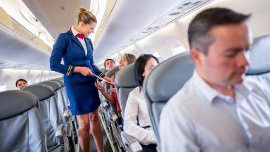 Бивша стюардеса разкрива мръсните тайни на професията си