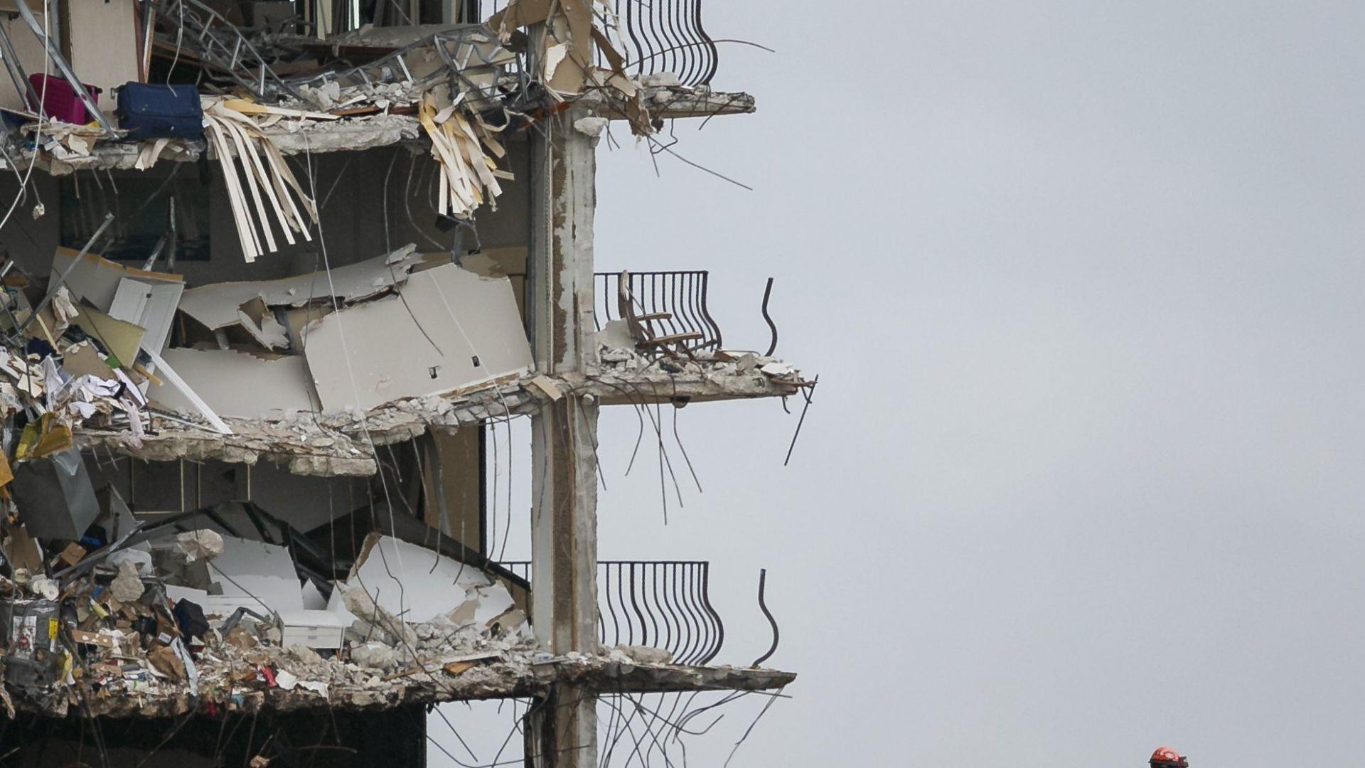 11 са вече жертвите на срутването на сградата във Флорида