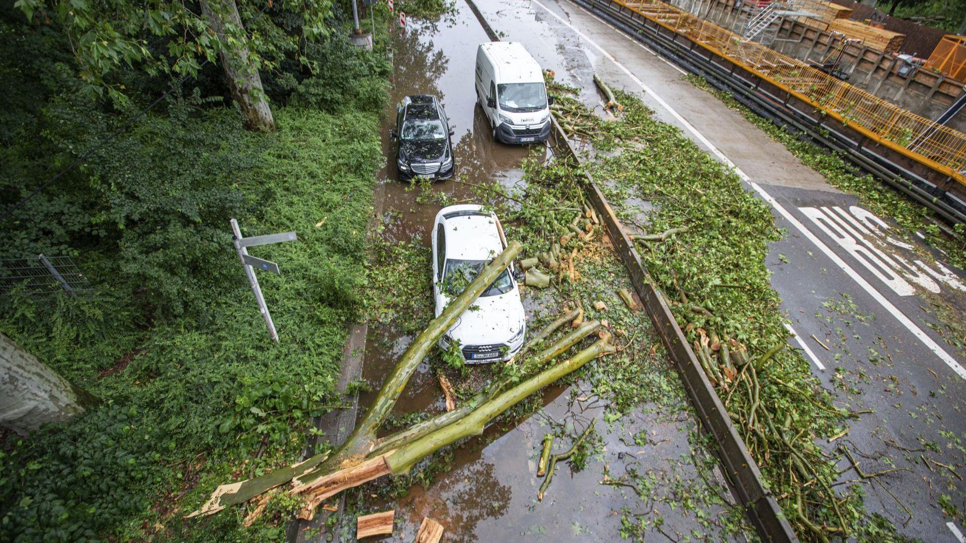 Буря с ураганни ветрове нанесе големи щети в Германия (снимки)