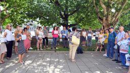 Туроператори на протест пред президентството (снимки)