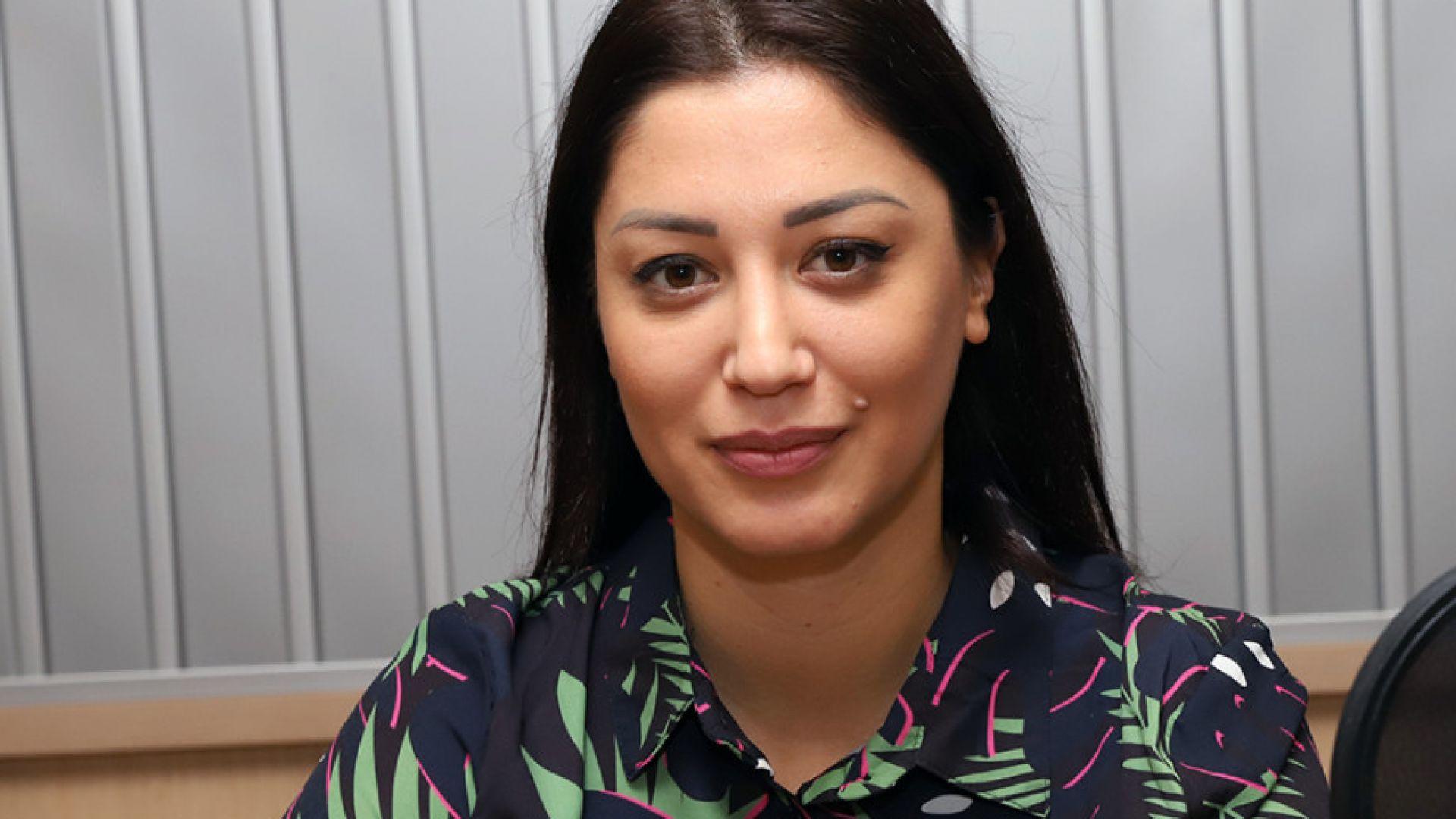Социоложката Евелина Славкова роди близначки
