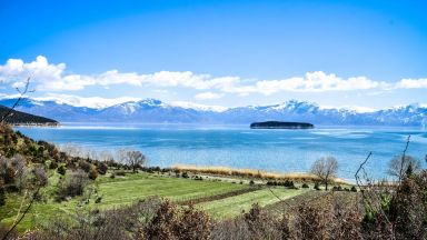 Три държави обединяват сили заради Преспанското езеро