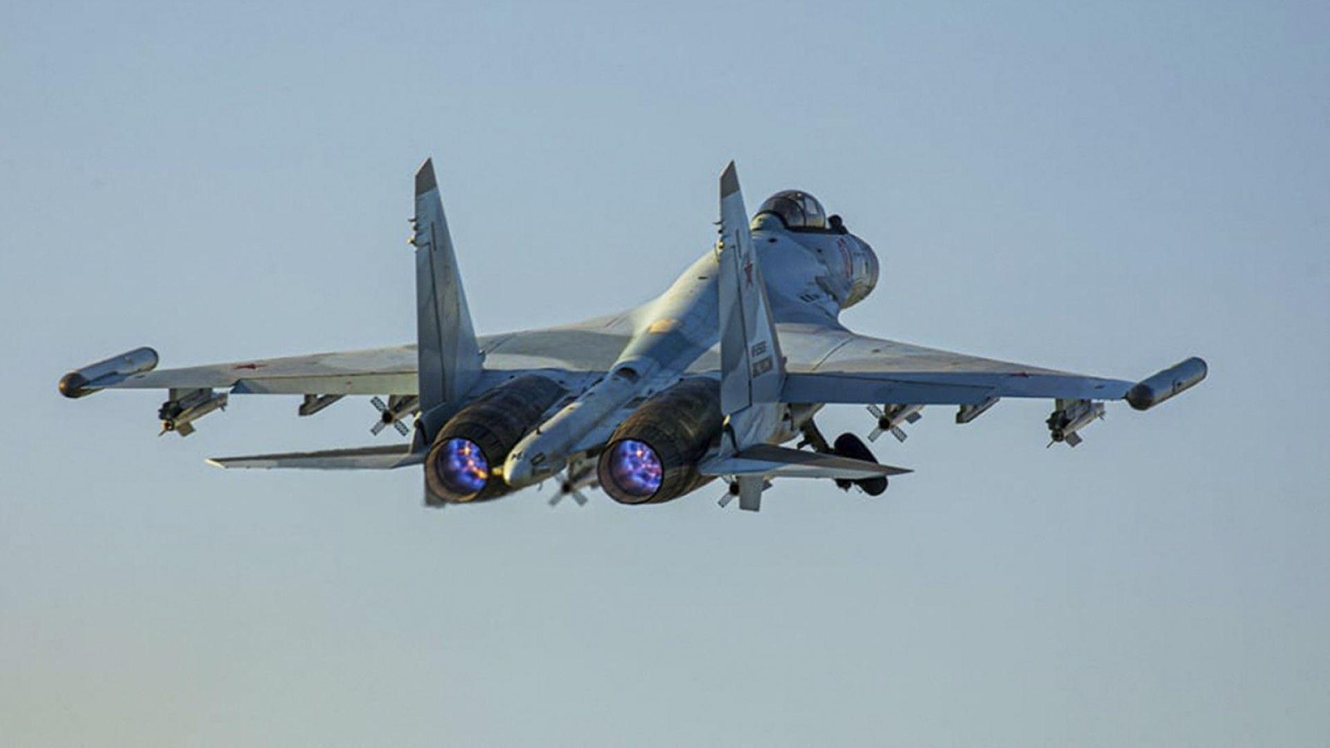 """Москва вдигнала бойната си авиация, за да вкара фрегатата """"Евертсен"""" в правия път"""