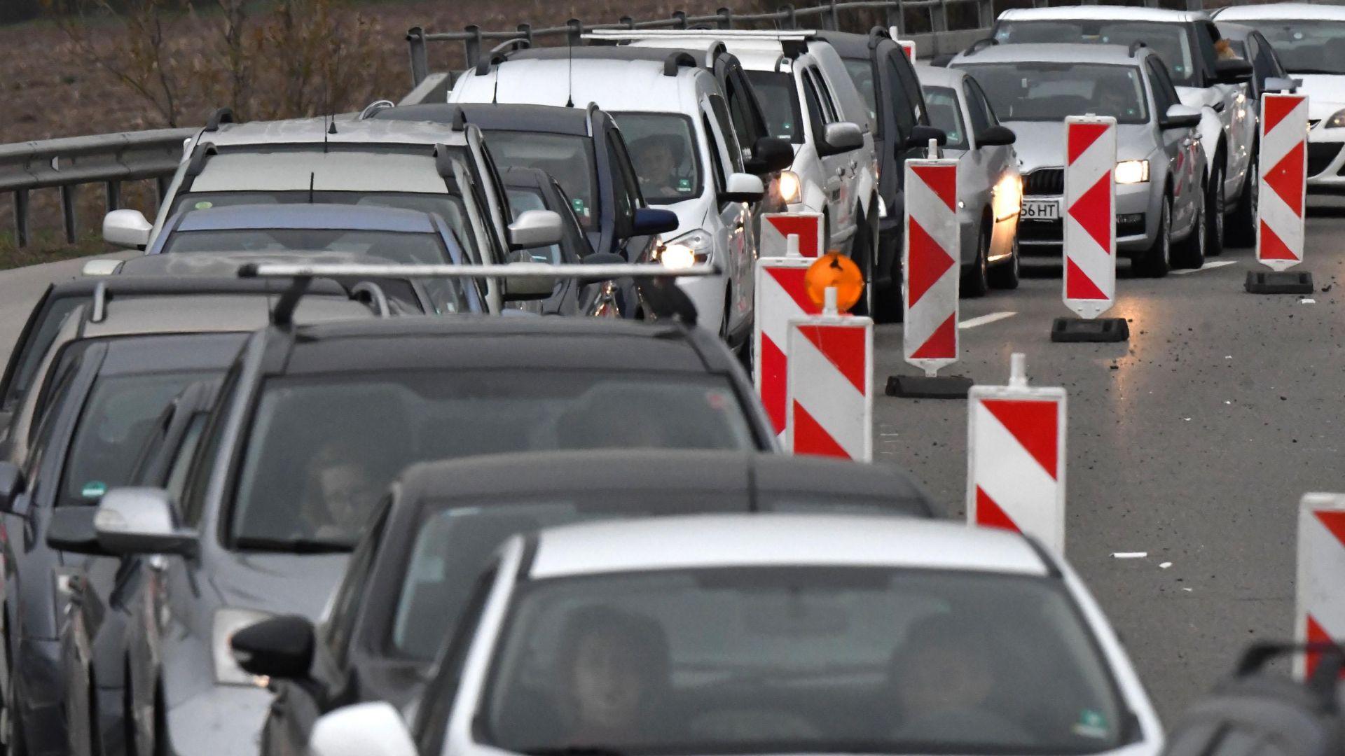 """Шефът на АПИ: Отпушваме магистрала """"Тракия"""" до края на юли"""