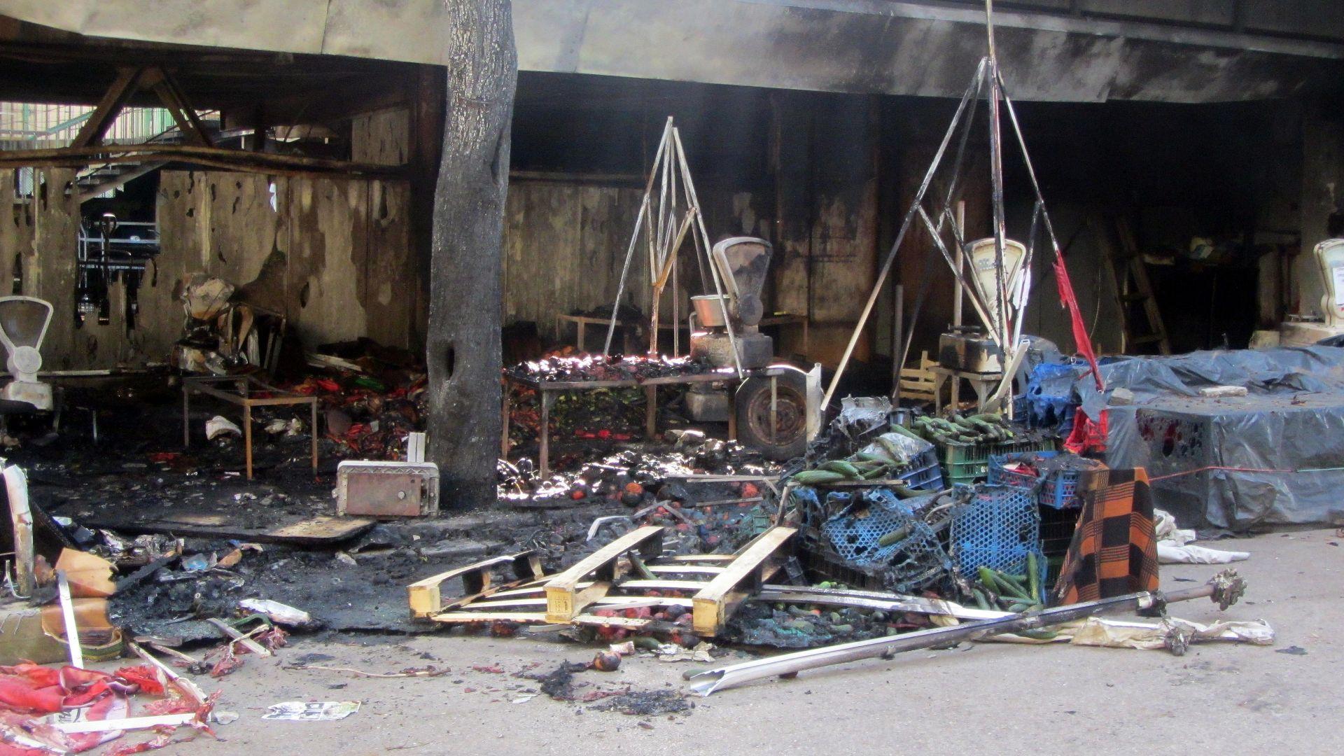 Започват разследване за палеж след възникналия пожар на пазара на Перник