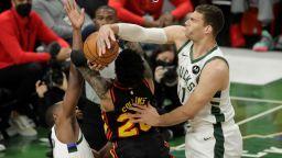 Няма Янис, но няма и проблем - Милуоки е на един мач от финала в НБА
