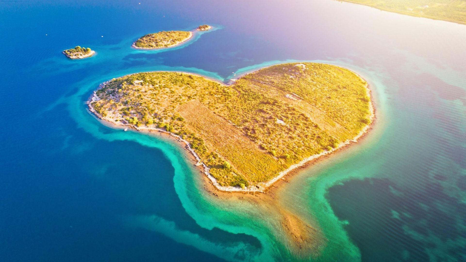 Галешняк: Хърватският романтичен остров сърце (снимки)