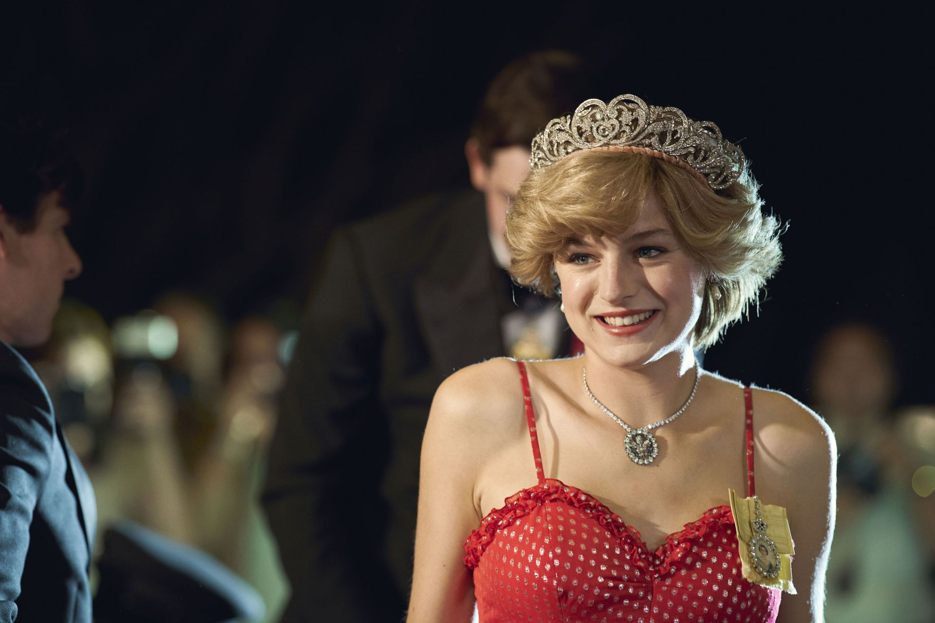 Ема Корин играе изключително ролята на обичаната на Острова принцеса Даяна