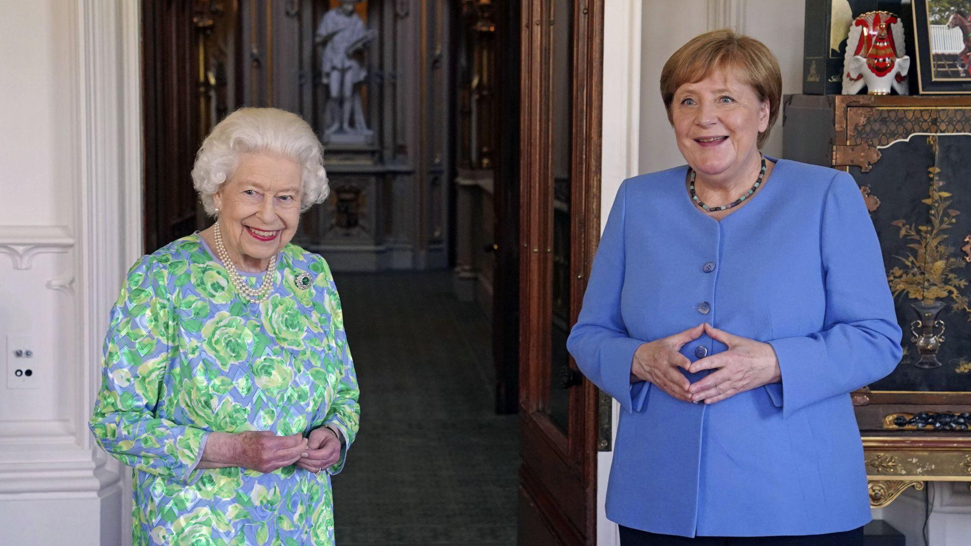 """Елизабет Втора прие на лична аудиенция Меркел в замъка """"Уиндзор"""" (видео)"""