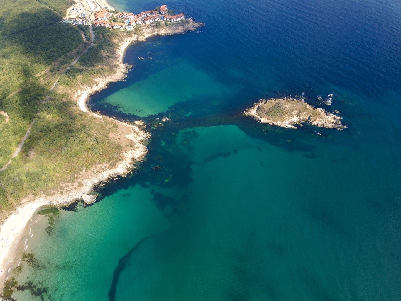 Аркутино и Змийския остров