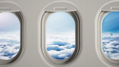 Защо прозорците на самолетите са елипсовидни?
