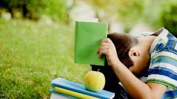 """За малките """"трудни"""" читатели – две поредици, които превръщат четенето в детска игра"""
