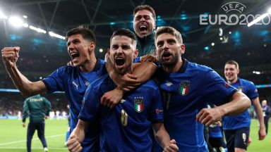 Дузпи разплакаха Испания и пратиха Италия на големия финал!