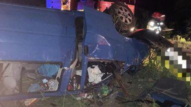 5 българи загинаха, а трима са в кома след удар в камион в Румъния (видео)