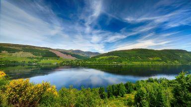 Шотландско изоставено село се продава заедно с призрака си