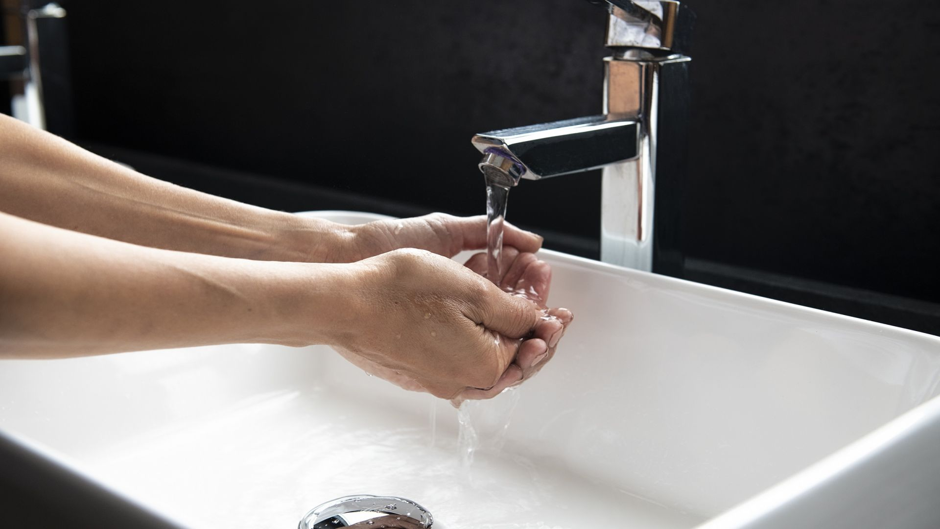 80% от българите вече мият и дезинфекцират ръцете си повече от 3 пъти на ден