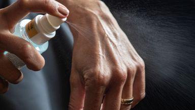 Измислиха дезинфектант, който унищожава бактерии, но не наранява кожата