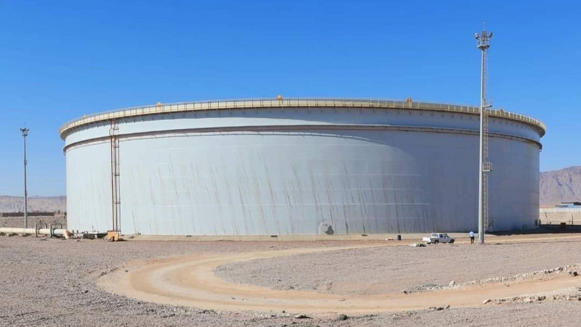 Египет влезе в Гинес с гигантски резервоар за петрол с плаващ покрив