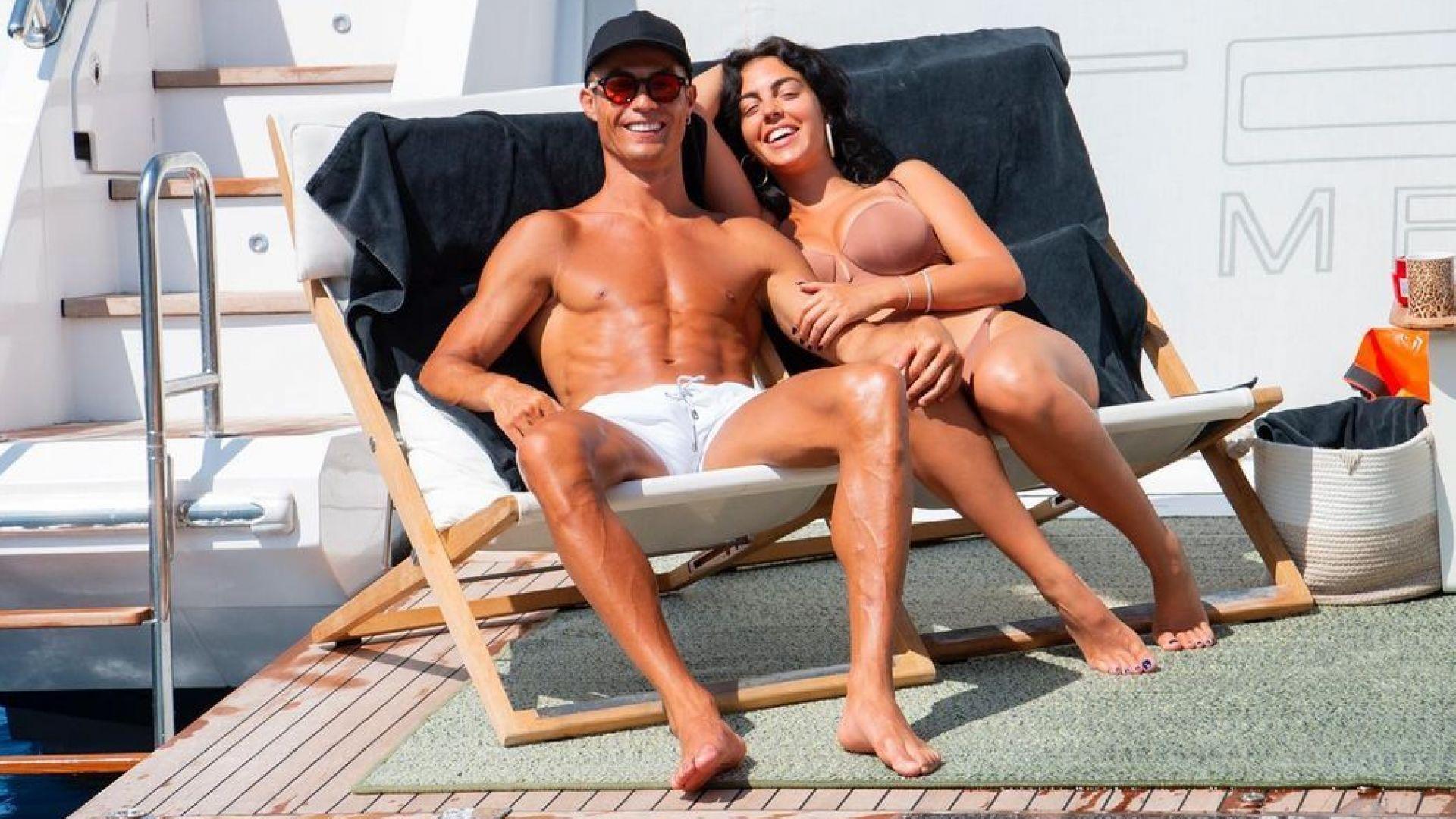 След Евро 2020 Роналдо се отдаде на слънчева семейна почивка в открити води