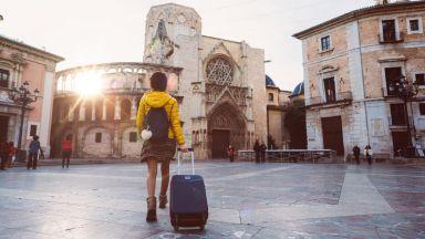 Почивките в Испания са застрашени от поредната КОВИД вълна