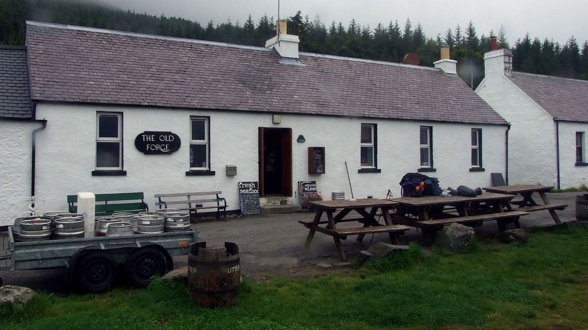 Да пиеш в най-отдалечената кръчма в Шотландия (видео)