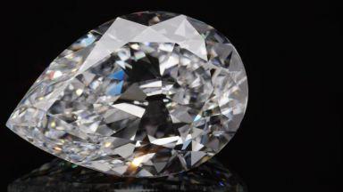 Продадоха 101-каратов диамант за рекордна сума (видео)