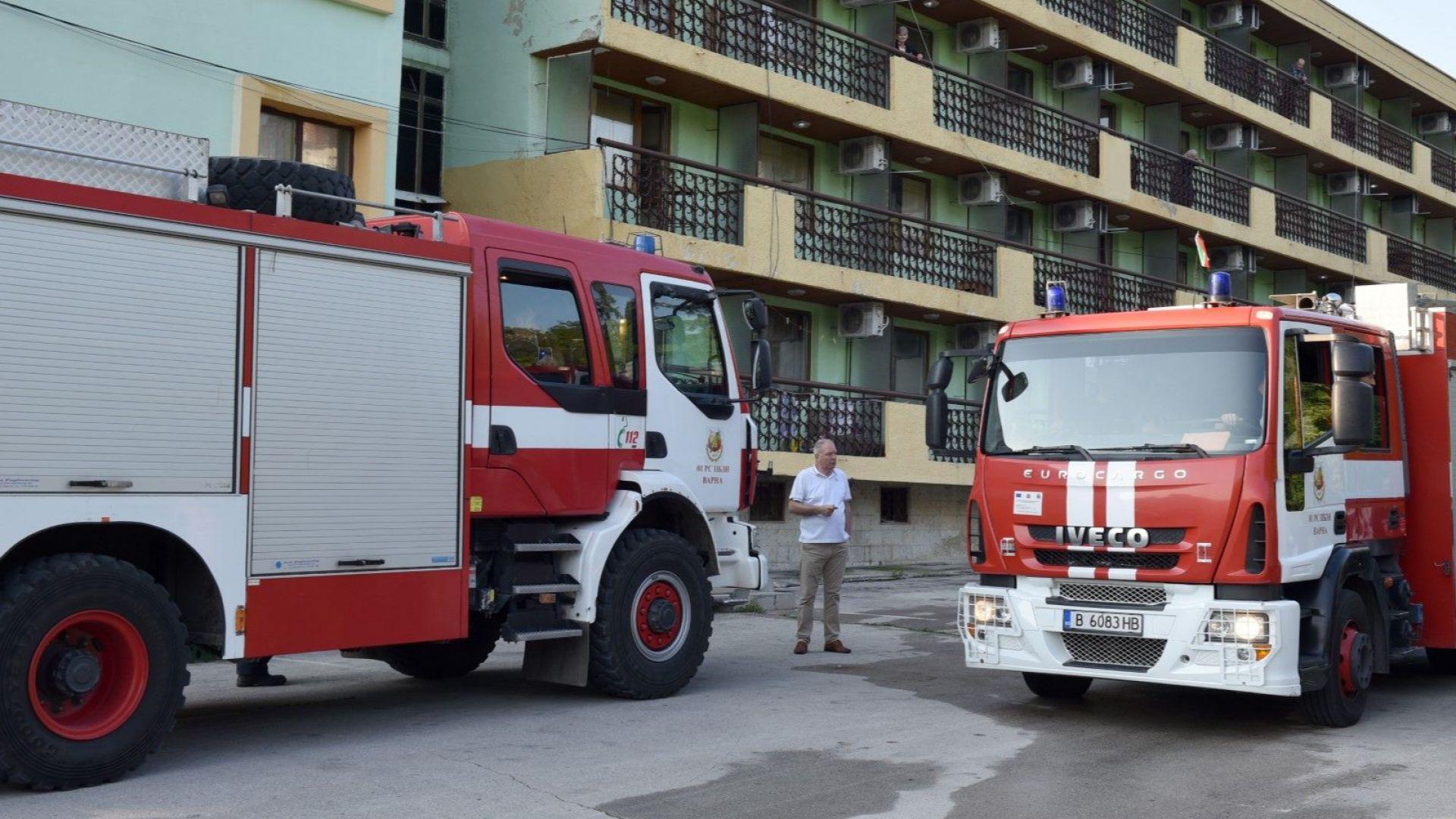 Пожар във варненски дом за възрастни: Един загинал, 7 в болница, десетки евакуирани
