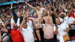 Празни трибуни и глоба за Англия заради феновете на Евро 2020