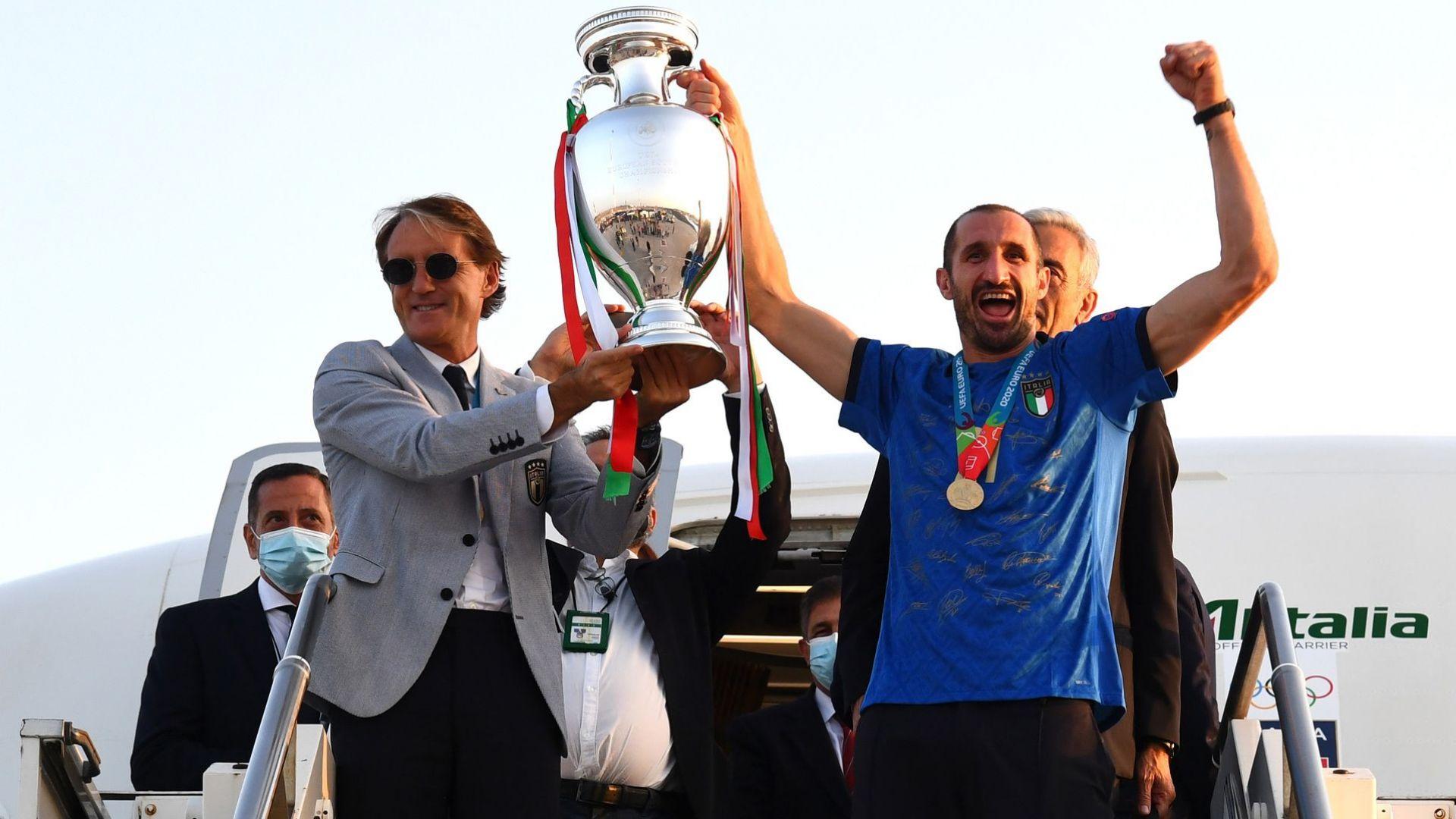Италия донесе трофея у дома (снимки)