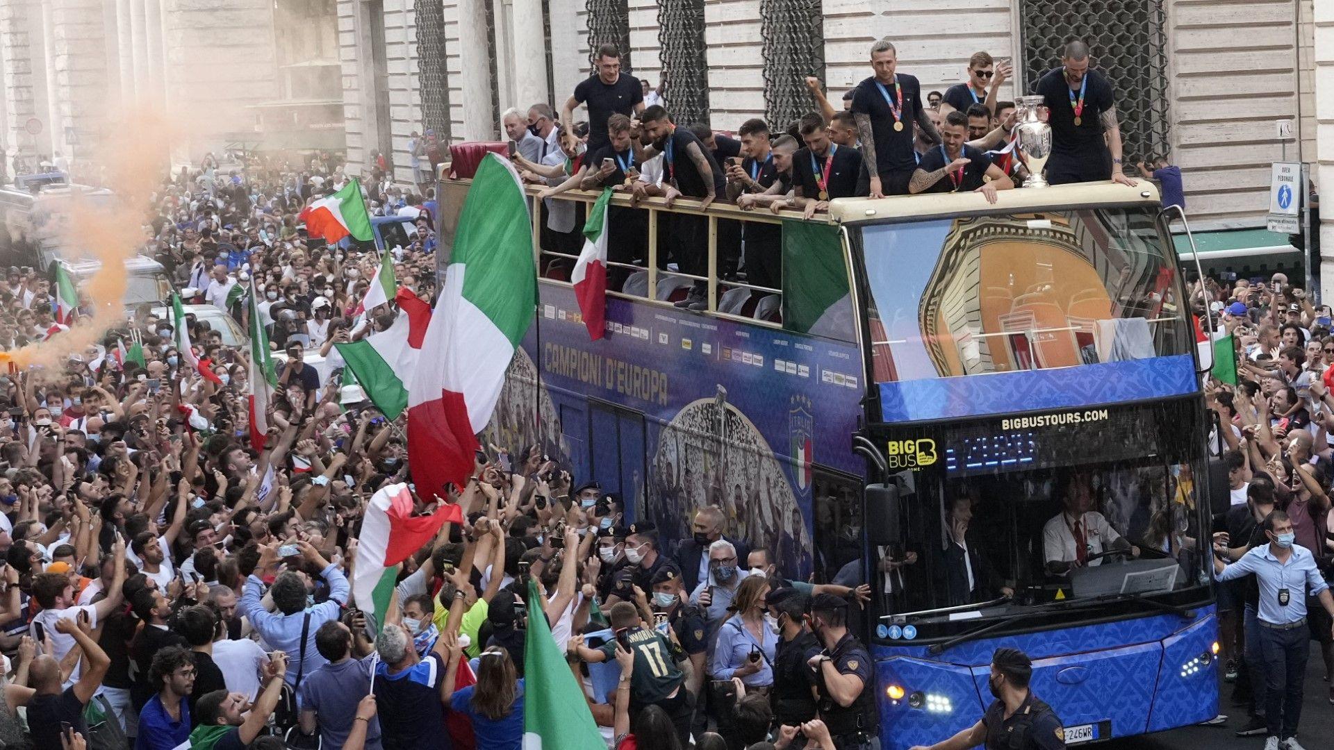 Празненствата покрай Евро 2020 са причина за многото заразени в Италия