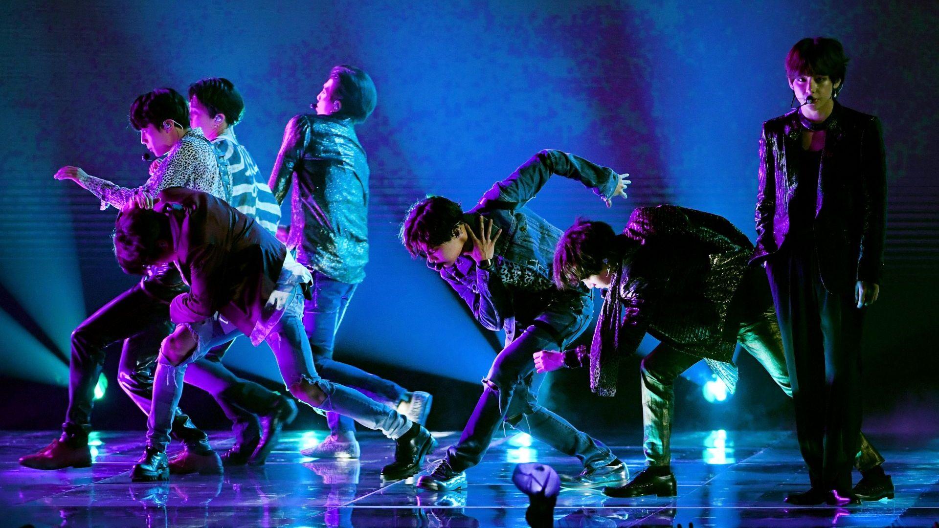 BTS не слизат от първото място на Billboard в продължение на седем седмици