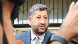 Христо Иванов оприличи управленския маниер на Слави Трифонов с този на Бойко Борисов