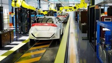 От прага на COVID-фалита до международна експанзия: Кой ще произвежда електромобили у нас
