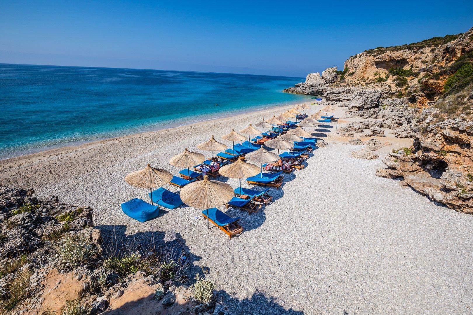 Плаж Дерми, Албания