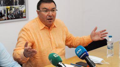 Костадин Ангелов: Не знам на Кацаров кой му вярва още, COVID лекарство ще имаме