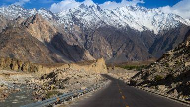 Шофиране с адреналин: Каракорумското шосе в Пакистан