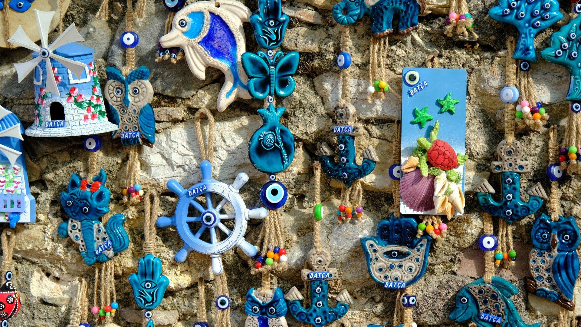 Стига джунджурии! 7 сувенира, които няма да събират прах