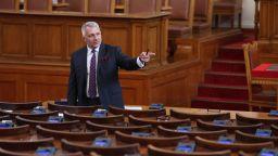 Николай Хаджигенов: Слави има тежката задача да прави кабинет, но не се справя добре