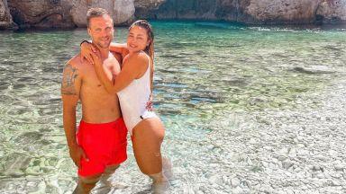 От безброй места по света семейство Джаферович отново почива на приказния остров Вис