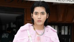 Измамник изнудвал за пари обвинен в изнасилване актьор и поп певец