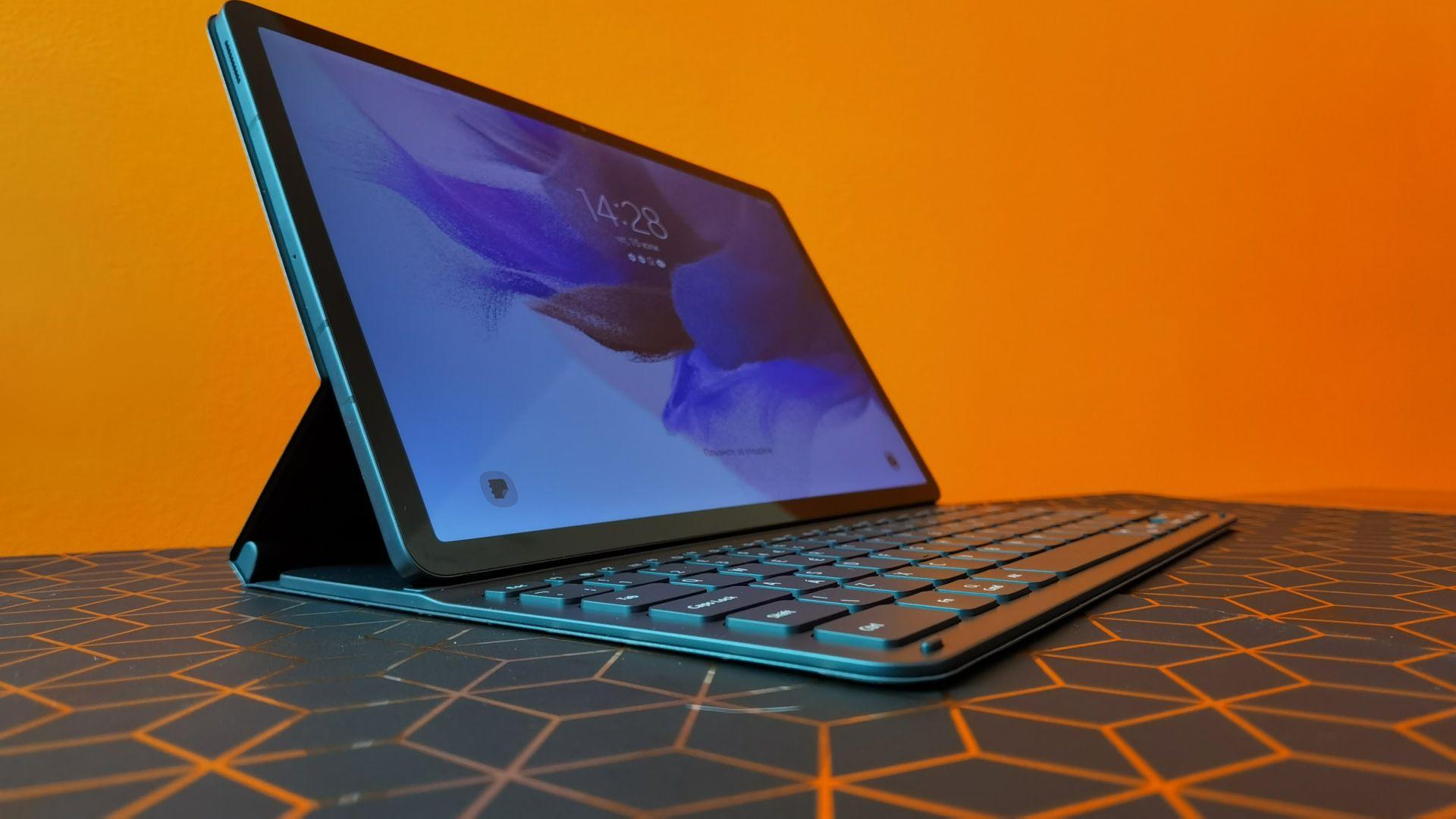 Кой е таблетът, който ще замени лаптопа?