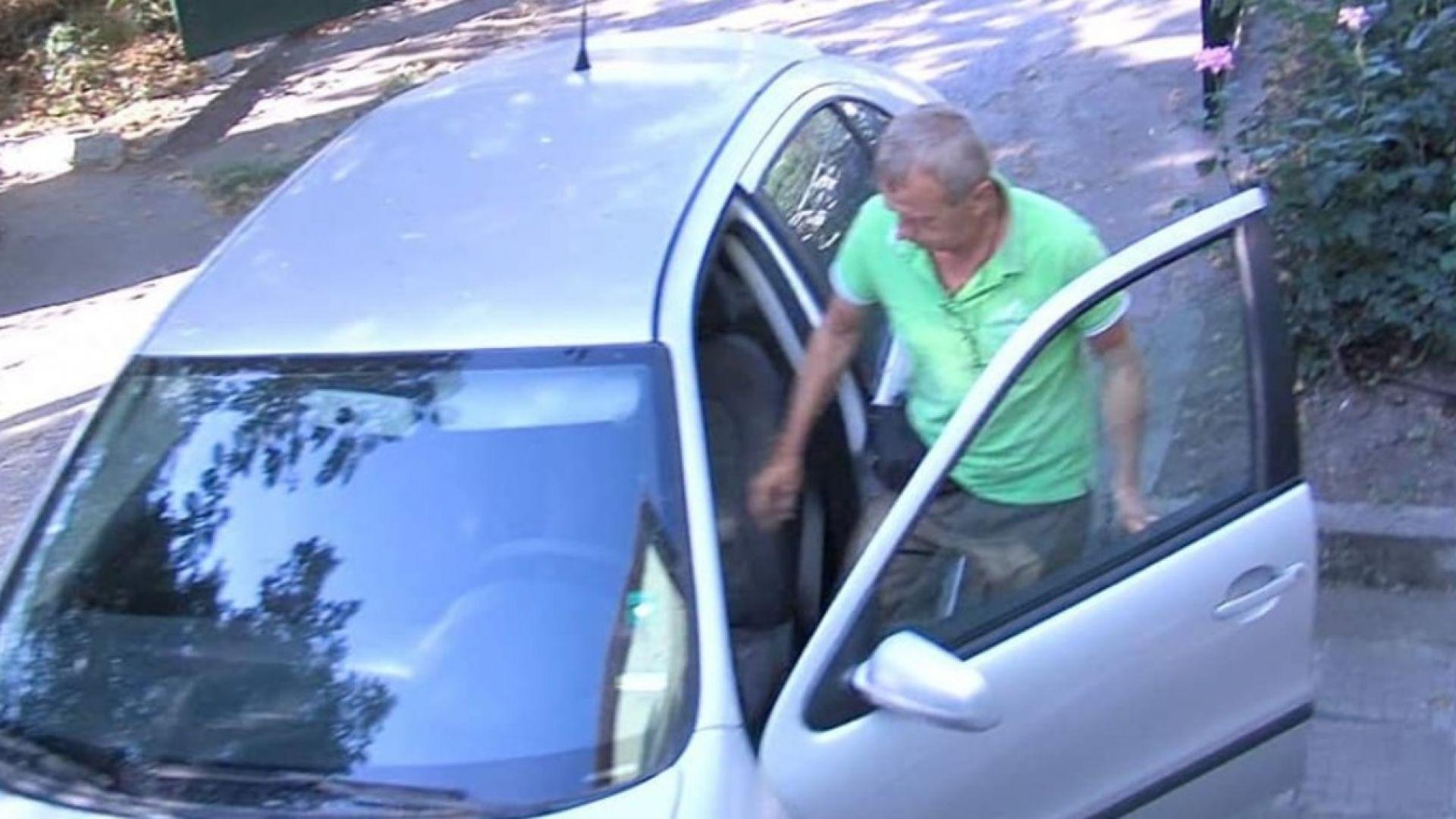 Горският, ловувал незаконно с бившия шеф на ДАНС, е подал молба за напускане