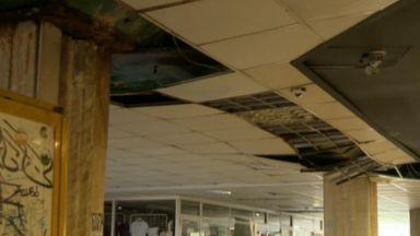 Опасен подлез в столицата: падащи парчета от тавана и стърчащи кабели
