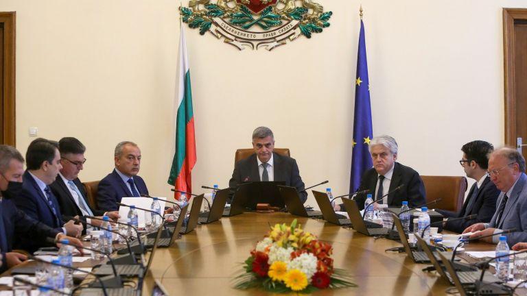 Със заповед на служебния премиер Стефан Янев са назначени трима
