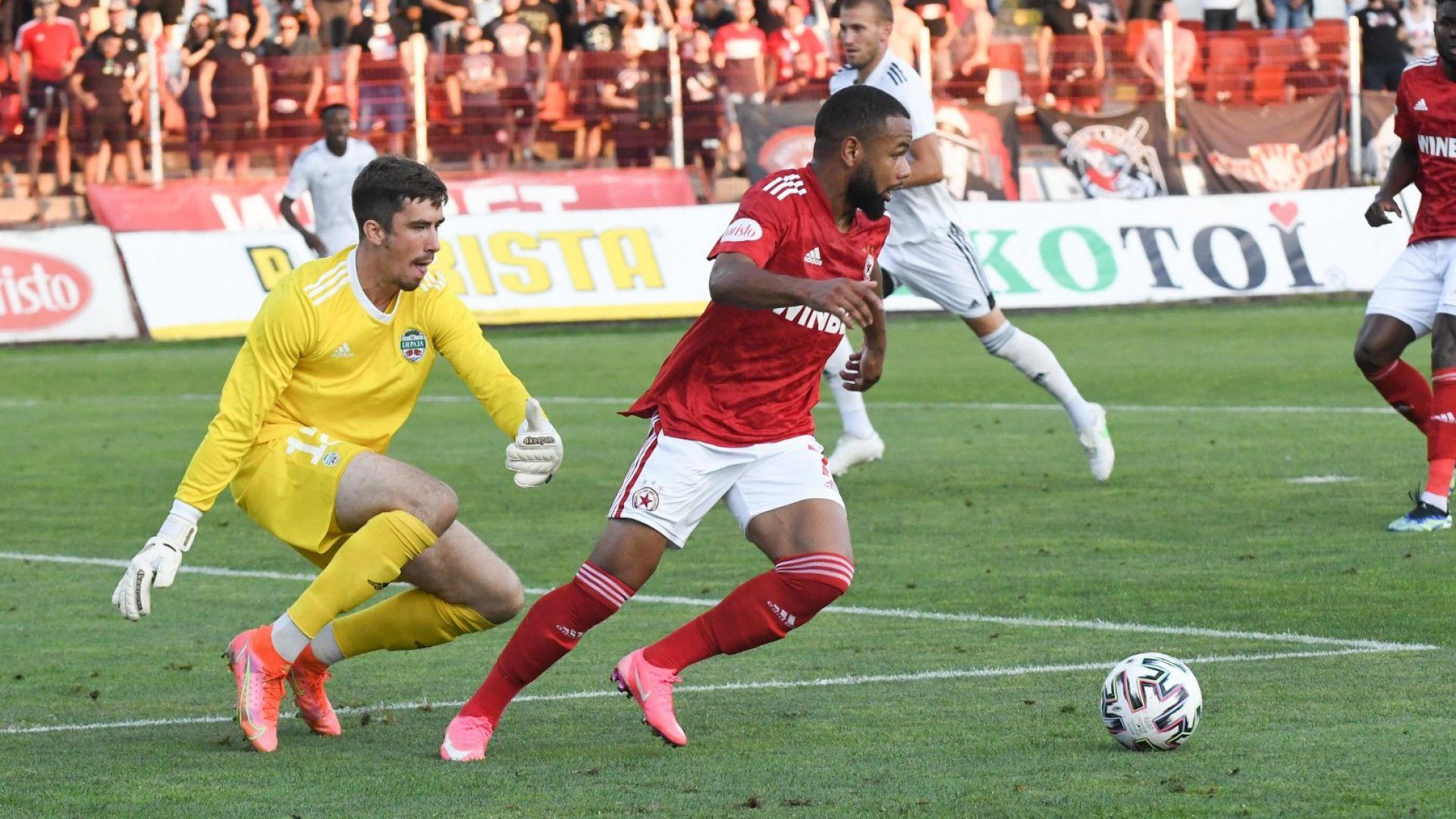 ЦСКА игра безлично и не успя да бие четвъртия в Латвия