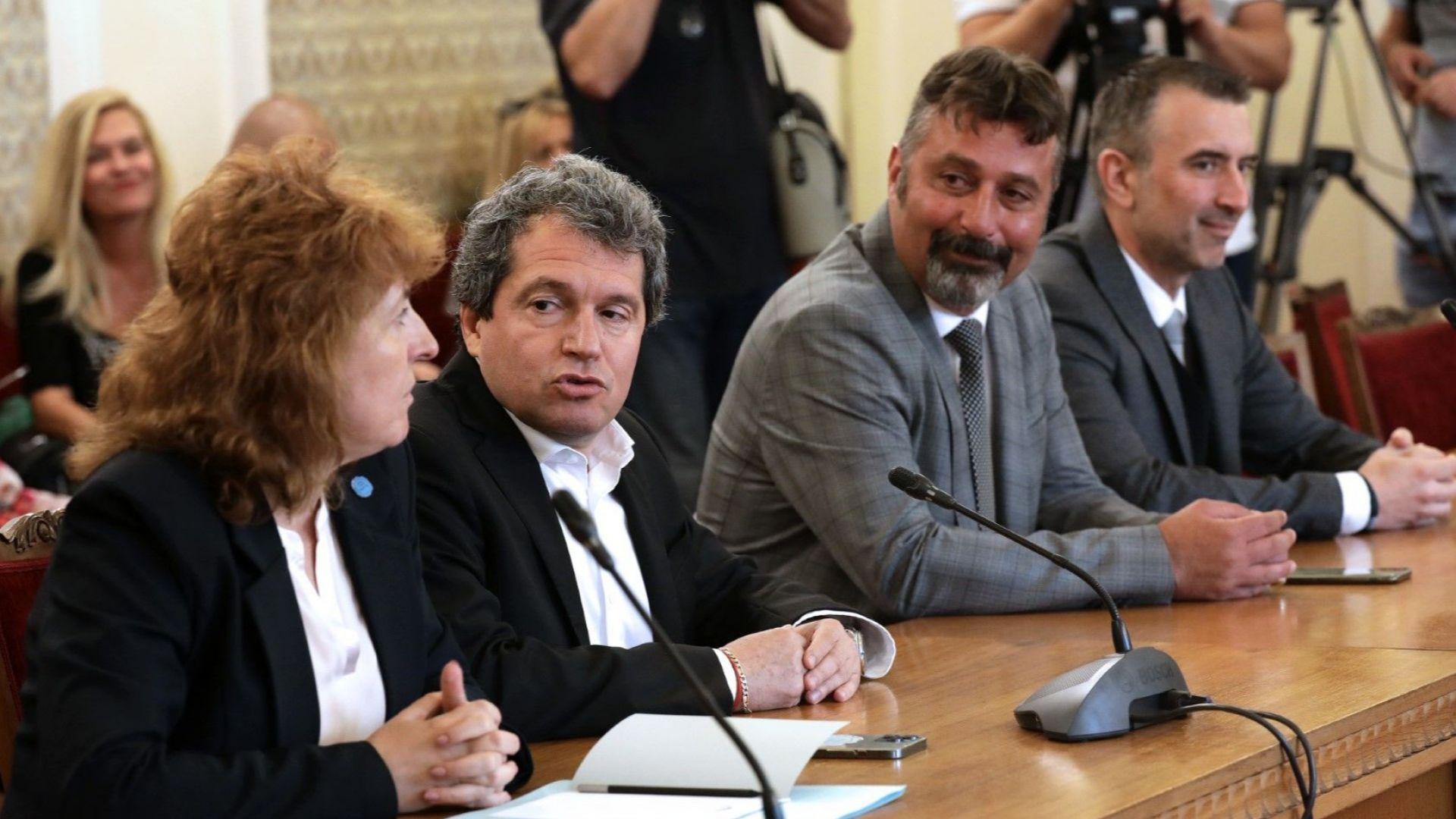 Пет партии преговарят за ново управление с кабинет на ИТН