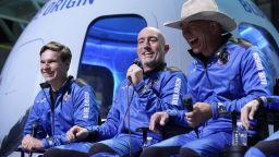"""Тийнейджърът, летял в космоса, заявил пред Безос, че никога не е поръчвал от """"Амазон"""""""